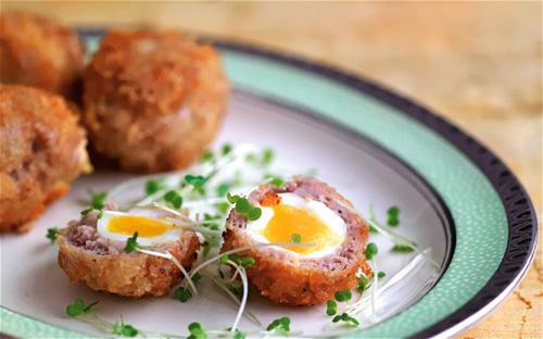 Albóndigas con huevos de codorniz