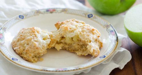 Scones de manzana, chedda y nueces