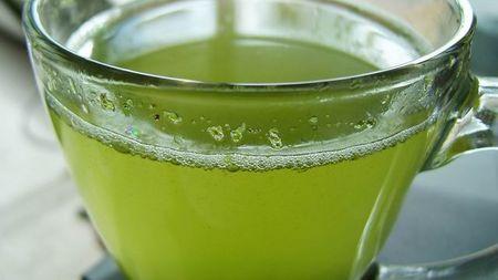 Té verde con piñas, infusión para adelgazar