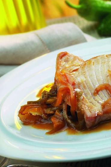 Atún con verduras, un plato saludable