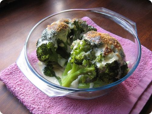 800px-Béchamel_and_Brocoli []