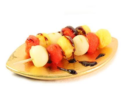 Brochetas de fruta y queso - comida sana